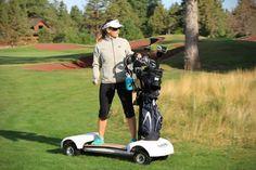 Golfboard, un longboard électrique pour les golfeurs. Comme quoi on s'emmerde bien au golf…