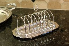 Please take time to look at all the photos. The ZOOM feature is amazing!  What a great breakfast set!  Ive taken an English silver plate toast rack