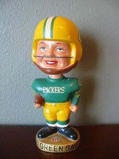 VINTAGE 1960'S GREEN BAY PACKERS GOLD BASE BOBBLEHEAD BOBBING NODDER RARE!!!!!!! in Collectibles, Pinbacks, Bobbles, Lunchboxes, Bobbleheads, Nodders | eBay