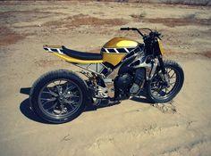 Yamaha R1 Flat Track por Gregg's Customs