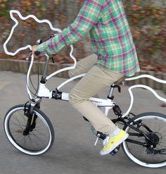 THE WHITE UNICORN BICYCLE