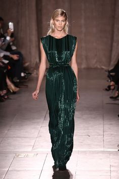 A look from Zac Posen's fall 2015 collection. Photo: Neilson Barnard/Getty Images