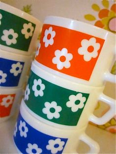 Vintage 1970s Daisy Expresso Cups