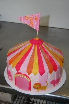 Circus tent cake by Its A Cake Thing Jho via Flickr Circus