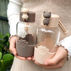 Kawaii bear bottle in our shop💕 Get yours Cute Water Bottles, Glass Water Bottle, Glass Bottles, Glass Of Milk, Kawaii Fruit, Accessoires Iphone, Kawaii Room, Kawaii Accessories, Cute Cups