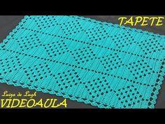 Olá, nesse vídeo vamos fazer o tapete Jade, esse do vídeo ficou medindo 72 cm de comprimento por 55 cm de largura, foi trabalhado com 500 gramas de barbante ...