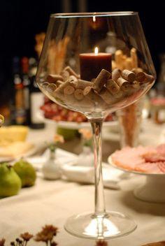 8 meses - Bodas de Pompom ou Bodas de Champanhe - Que tal criar um clima mais intimista com velas e rolhas?