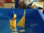 drijven en zinken School Themes, Projects To Try, Kids, Scrabble, Experiment, Stage, Pirates, Superheroes, Young Children