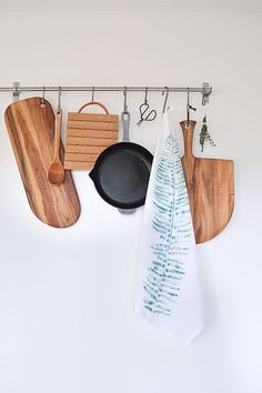 I wish my kitchen looked this all the time!  Check out how to make this DIY fern printed tea towel. A budget friendly DIY.