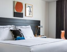 Sleek residential ambiance flourishes where the Fillmore, Japantown and Pacific Heights converge.