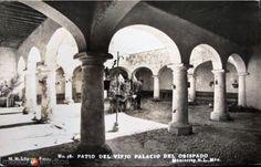 Patio del palacio del Obispado,fecha aprox. finales de los 40's. fotografía de M.M. López