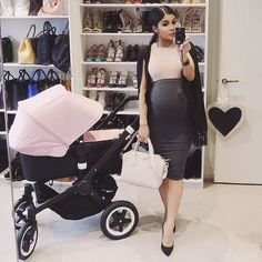 """Shop whole outfit @missguided code """"everything20"""" for 20% off Australia wide sorry about the lighting #38weeks"""