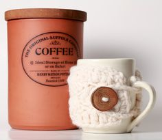 a sweater for my coffee mug? This is fantastic!