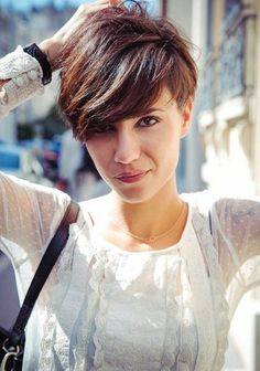 short bob hairstyles with layers are suit for almost any occasion