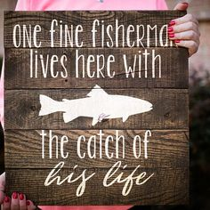 Fishing wood sign gift for him husband gift gift for boyfriend man cave Diy Gifts For Men, Gifts For Your Boyfriend, Birthday Gifts For Boyfriend, Gifts For Husband, Gifts For Boys, Boyfriend Presents, Homemade Gifts For Men, Men Gifts, Gift Boyfriend