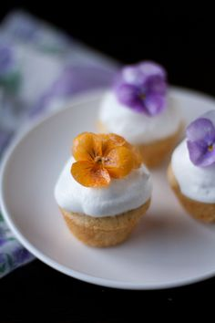 Vanilla cupcakes with sugared violas, and  How to sugar edible flowers
