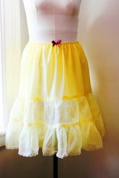 How to make all your vintage skirts suitably flouffy and flouncy - make a crinoline with this tute.
