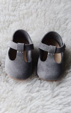 4cc8784dc Las 317 mejores imágenes de Little Shoes en 2019