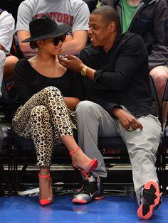 BEYONCÉ Y JAY-Z: Pese a que la cantante se tomó algunos meses de descanso tras el nacimiento de su hija, Blue Ivy Carter, la pareja consiguió recaudar la suma de 78 millones de dólares el último año, según la revista Forbes.
