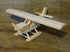 Avión de juguete de madera Alaska bush avión por OutOnALimbADK