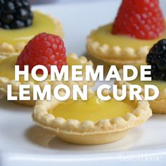 Homemade Lemon Curd - My list of simple and healthy recipes Lemon Desserts, Lemon Recipes, Easy Desserts, Baking Recipes, Sweet Recipes, Cookie Recipes, Delicious Desserts, Yummy Food, Mini Dessert Recipes