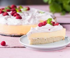 Mangovo-malinový cheesecake | Recepty Albert Cheesecakes, Food And Drink, Sweets, Bread, Gummi Candy, Candy, Brot, Cheesecake, Goodies