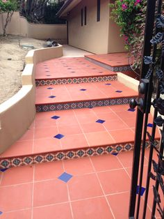 Saltillo tile in La Jolla design by Joel Berlin Spanish Style Decor, Spanish Style Homes, Spanish House, Mexican Style Homes, Mexican Home Decor, Mexican Hacienda, Hacienda Style, House Tiles, House Floor