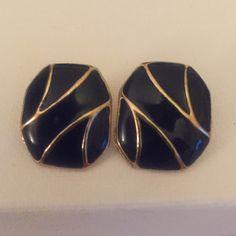 Pretty Vintage Blue & Gold Earrings❤️ Gorgeous vintage gold metal earrings with standard backs❤️ Vintage Jewelry Earrings