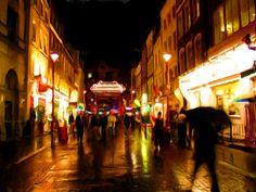 Chinatown cheap eats (go the Peeking Duck)   1  New World 85%    £ Chinatown - Dim Sum, Chinese 1 Gerrard Place  2  Leong's Legends 89%    £ Chinatown - Chinese 4 Macclesfield St  3  Baozi Inn 89%    ££ Chinatown - Chinese 25 Newport Court  4  Four Seasons Chinese 89%    £ Chinatown - Chinese 12 Gerrard St  5  HK Diner 81%    ££ Chinatown - Diner, Chinese, Japanese 22 Wardour St  6  Joy King Lau 97%    ££ Chinatown - Chinese 3 Leicester St
