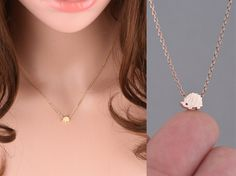 ■ Hedgehog: 7mm x 5.5mm ■ Length: 16 → The open necklace laid straight & measured end to end. → The model in photo is wearing the necklace at 16. ■ Material: Gold Plated/ Silver Plated/ Rose Gold Plated ■ LOBSTER CLASP ————————————————————— PRODUCTION TIMES Usually all items are packaged in a