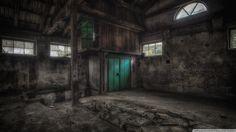 Interior de atico abandonado en la Republica Checa. Fotografia by Zeitfaenger.at y depositada en Flickr.