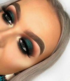Eye Makeup Blue, Makeup Eye Looks, Green Makeup, Cute Makeup, Gorgeous Makeup, Skin Makeup, Eyeshadow Makeup, Blue Eyeshadow, Eyeshadow Palette
