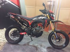 Trail Motorcycle, Moto Bike, Honda Supermoto, Dirtbikes, Valentino Rossi, Toys For Boys, Motocross, Cars And Motorcycles, Vehicles