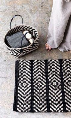 Discount Carpet Runners For Hall Crochet Carpet, Crochet Yarn, Crochet Home Decor, Diy Carpet, Tapestry Crochet, Learn To Crochet, Handicraft, Dyi, Crochet Projects