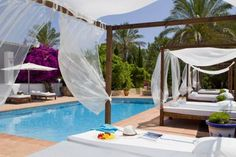 Decoración de hoteles con cama balinesa