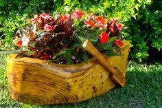 Floreira em formato de barquinho para decoração de ambientes