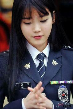 Women Ties, Suits For Women, Best School Uniform, People Of Interest, Military Women, Girls Uniforms, Suit And Tie, Best Actor, Korean Singer