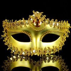 Masquerade-carnival-italy