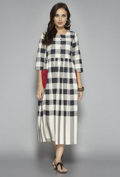 Buy Bombay Paisley by Westside Off White Checks Dress for Women Online @ Tata CLiQ Indian Evening Gown, Evening Gowns, Abaya Fashion, Indian Fashion, Women's Fashion, Linen Dresses, Casual Dresses, Kurtha Designs, Kalamkari Dresses
