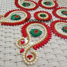 Shuffle Those Infinite Colours To Make These Beautiful Rangolis Rangoli Designs Flower, Rangoli Ideas, Rangoli Designs Images, Beautiful Rangoli Designs, Diwali Diy, Diwali Craft, Diwali Rangoli, Diwali Decorations At Home, Festival Decorations
