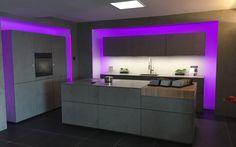next125 Betonlook keuken  NX 950 | NX 902  De betonlook keuken van dit moment. Het strakke design van de showroomkeuken gecombineerd met natuurlijke accenten ✔ Betonlook keuken ✔ next125 NX950 ✔ NX 902