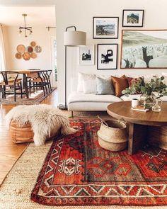Rugs In Living Room, Living Room Furniture, Living Room Designs, Living Room Decor, Room Rugs, Decor Room, Carpet In Living Room, Vintage Modern Living Room, Mid Century Modern Living Room