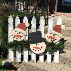 Snowman fence