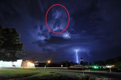 SEE IT: Michael Jackson appears to be moonwalking in clouds on 6 year anniversary of his death Cloud Photos, Weird News, The Weather Channel, All Nature, Son Luna, Storm Clouds, Celestial, Thunderstorms, Too Funny