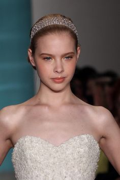 Oscar de la Renta alice band. Fairchild Archive. Hair inspiration http://www.vogue.com.au/brides/beauty/best+in+beauty+from+the+spring+summer+2013+bridal+shows,17589