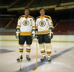John and Bobby Bobby Orr, Boston Bruins Hockey, Sports Magazine, Boston Strong, Boston Sports, Nfl Fans, Hockey Cards, National Hockey League, Hockey Players