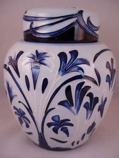 MOORCROFT Blue & White Ginger Jar