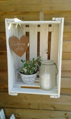 A lot in demand: 13 incredibly great ideas with wooden boxes to try out! - DIY craft ideas - garden decoration - A lot in demand: 13 incredibly great ideas with wooden boxes to try out! Wooden Crates, Wooden Boxes, Garden Projects, Projects To Try, Wood Crafts, Diy And Crafts, Farmhouse Decor, Rustic Decor, Diy Home Decor