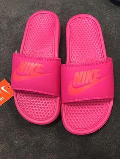 7ffdde78c7ee Nike Slides Womens Deadly Pink Benassi JDI Size 8