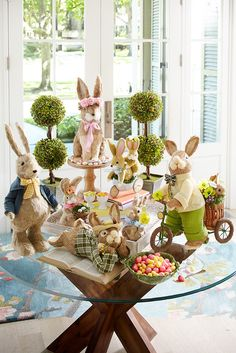 Wonderful Easter Decoration Ideas For Your Inspiration; Easter Table Decoration Ideas With Egg And Bunny; Easter Table Settings, Easter Table Decorations, Easter Centerpiece, Diy Osterschmuck, Easy Diy, Diy Ostern, Hoppy Easter, Easter Eggs, Easter Celebration